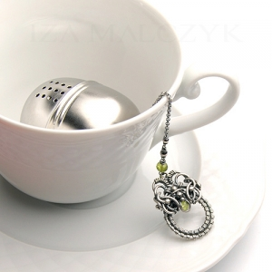 Ornate tea ball infuser - Green Iza Malczyk