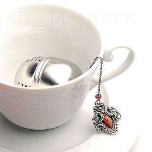 Ornate tea ball infuser - Red Iza Malczyk